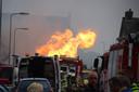 Hulpverleners bij de gasexplosie op Urk.