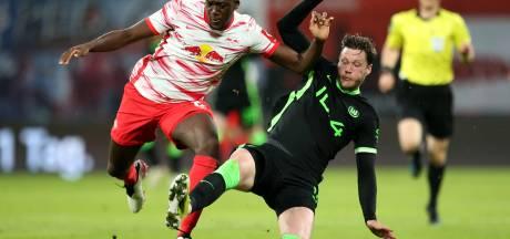 Dortmund en Wolfsburg plaatsen zich voor Champions League, Weghorst emotioneel na EK-vraag
