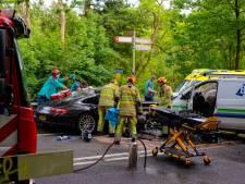 Automobilist raakt bekneld bij ernstig ongeval in Soest