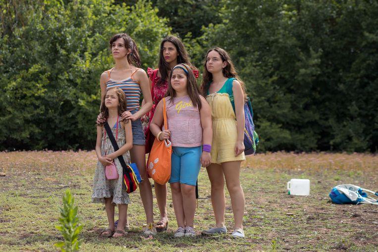 De vijf Macaluso-zussen zijn de hoofdpersonages in de film 'Le sorelle Macaluso'. Beeld rv