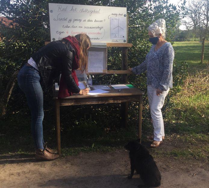 De petitieactie van de buurtbewoners leverde talloze bezwaarschriften op.