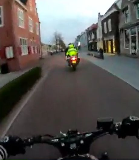 Video op Dumpert over 'politieachtervolging van scooterpuber' wekt ergernis op: 'Kansloos gedrag'