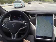 'Tesla misleidt mensen met zijn Autopilot'