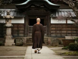 """Boeddhistische monnik klaagt zijn werkgever aan: """"Ik moet veel te hard werken"""""""