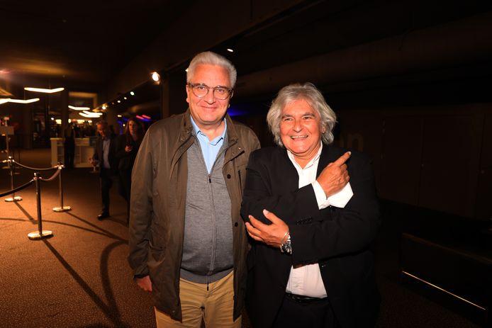 Zelfs prins Laurent zakte af naar de première van de nieuwe Bond-film. Hij nam z'n goede vriend Jean-Paul Bertin mee.