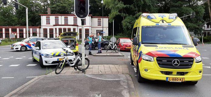 Het ongeluk in Apeldoorn lijkt te zijn ontstaan door een voorrangsfout.