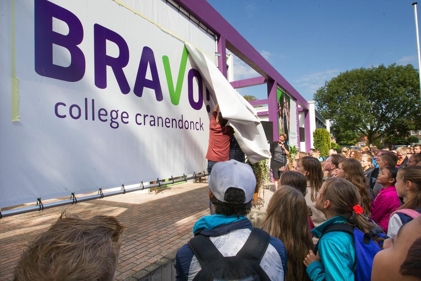 Bravo!College wil doorgroeien in Budel. Veel ouders en de politiek zijn blij als er middelbaar onderwijs in de eigen gemeente wordt aangeboden.