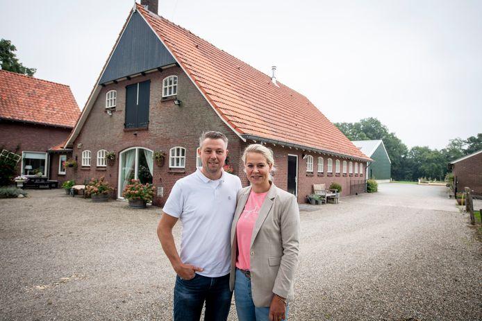 Emiel en Joyce Schabbink beginnen bij hun woonboerderij op Erve van de Wal een bed and breakfast.
