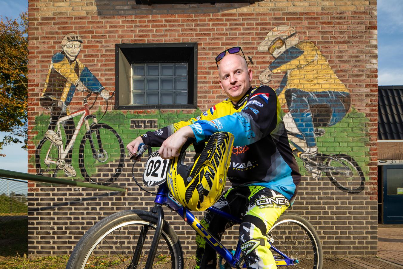BMX-crosser van de Whoopers Manuel van Gulik.