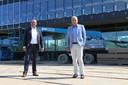Wethouder Piet Vat (links) en VSO-voorzitter Adrie Stuij.