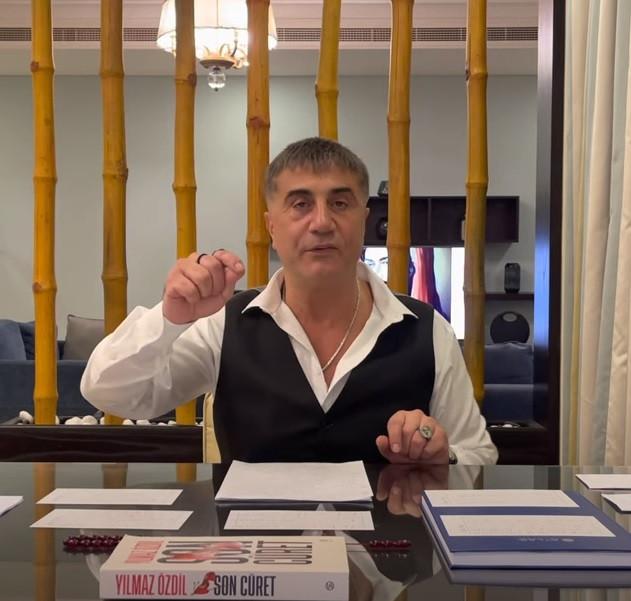 Sedat Peker in een van zijn YouTube-video's.