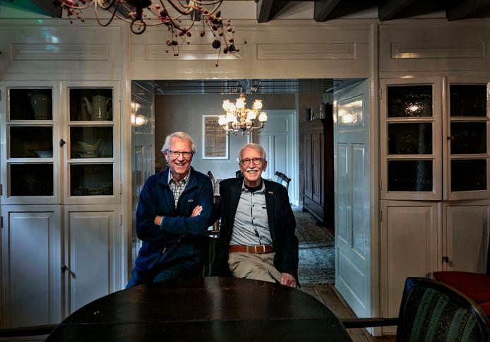 Ben van Veelen en Sjef Jonkers: het gesprek is nog geen kwartier aan de gang of de beide oud-wethouders gaan als vanouds weer volop met elkaar in discussie.