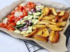Wat Eten We Vandaag: Traybake met kabeljauw en mediterrane groenten