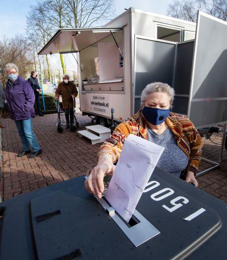 'Frietkraam' als mobiel stembureau in Apeldoorn: 'Dit is een schande'