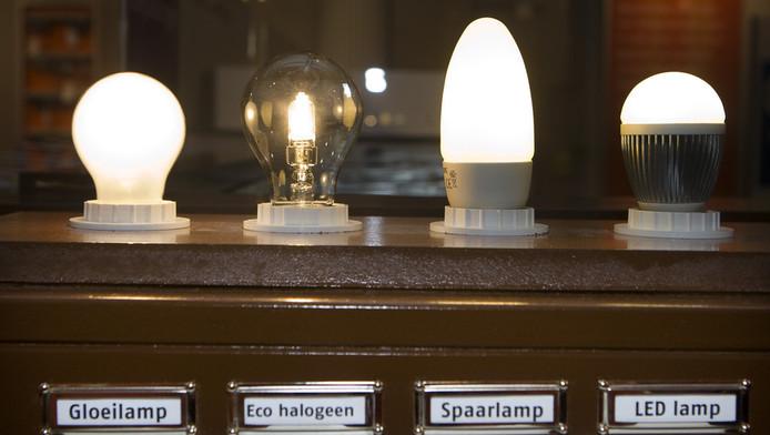 Uv Licht Kopen : Straling spaarlamp even gevaarlijk voor huid als zon gezond ad.nl