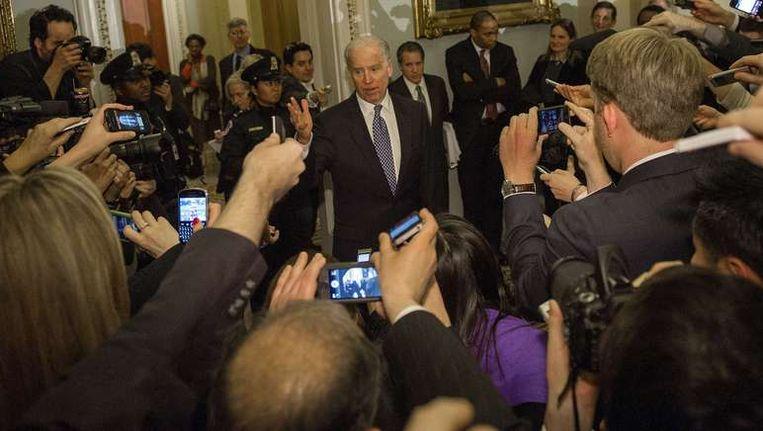 Vicepresident Joe Biden tijdens de begrotingsonderhandelingen afgelopen nacht. Beeld afp