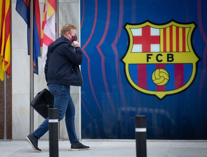 Ronald Koeman afgelopen week voor een gesprek met de presidentskandidaten van FC Barcelona.