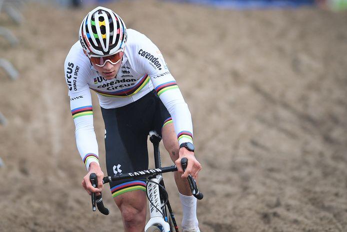 Mathieu van der Poel won elke cross waar hij in 2019 aan deelnam.