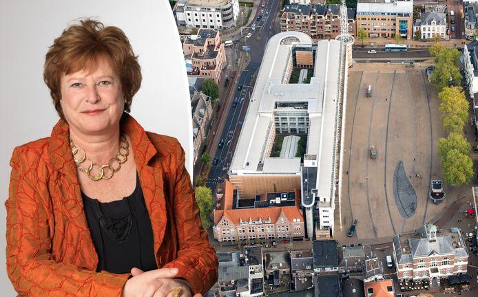 Albertine van Vliet, oud-gemeenteraadslid in Apeldoorn en later burgemeester van Amersfoort, is niet mals voor Apeldoorn. Zo vindt ze het Marktplein maar niks. ,,Zonder groen op een tochtig plein.''