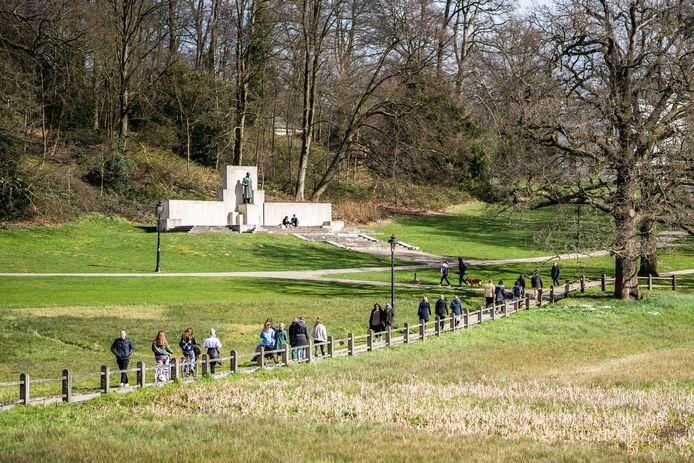 Park Sonsbeek in Arnhem blijft open. De Steile Tuin is beperkt toegankelijk.