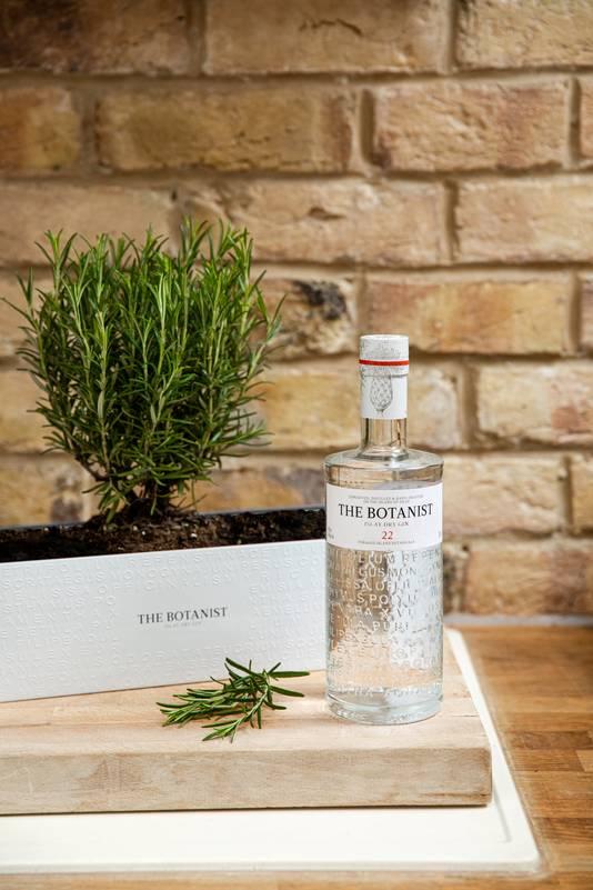 The Botanist Foraging Tumbler - Le coffret cadeau The Botanist Tin Planter comprend une bouteille de gin, un recueil des meilleures recettes de cocktails ainsi qu'une élégante jardinière où cultiver vos aromatiques préférées. - Prix: 39,99 euros.