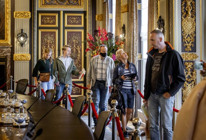 De Trêveszaal is toegankelijk voor bezoekers tijdens Open Monumentendag. De Eerste Kamer gaat voor langere tijd dicht vanwege de renovatie van het Binnenhof en is naar verwachting in 2026 klaar.