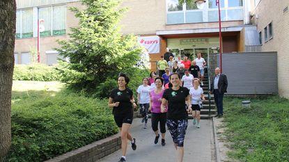 Joggers sprinten door ziekenhuis en kerken