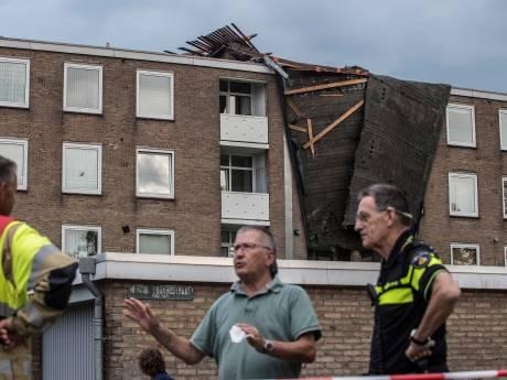 Bewoners flat in Tiel waar dak vanaf vloog nog steeds niet thuis
