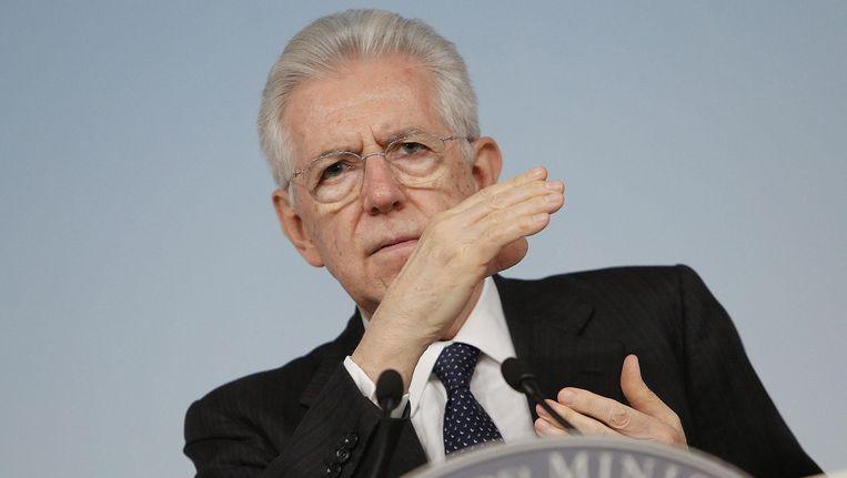 Een expertengroep onder leiding van de vroegere Italiaanse premier Mario Monti (foto) heeft vandaag een ingrijpende hervorming van de Europese begroting voorgesteld. Beeld EPA