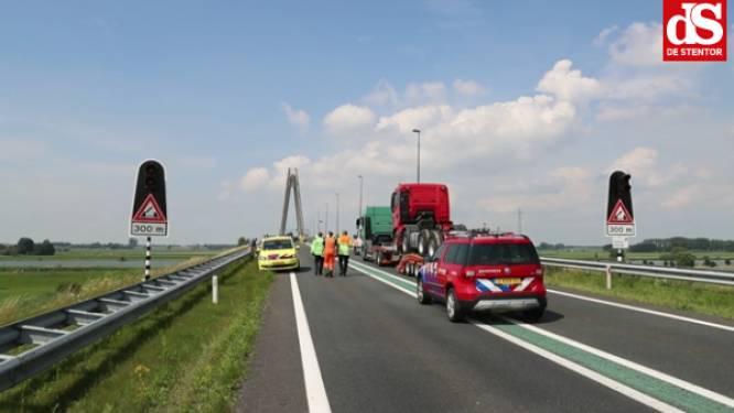 Rijkswaterstaat bekijkt of kritiek van Kamper wethouder op aangebrachte ribbelrand op N50 terecht is