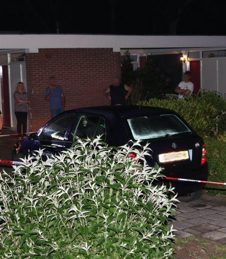 Man uit Hardenberg ramt politiewagen tijdens achtervolging die tientallen kilometers duurt en eindigt in Emmen