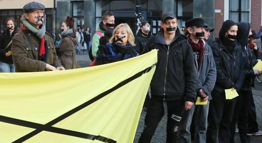 Een eerder protest van Vloek-aanhangers op het Kerkplein in Den Haag.