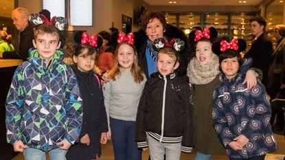 Jacky Lafon met tien zieke kindjes naar Disneyland Parijs