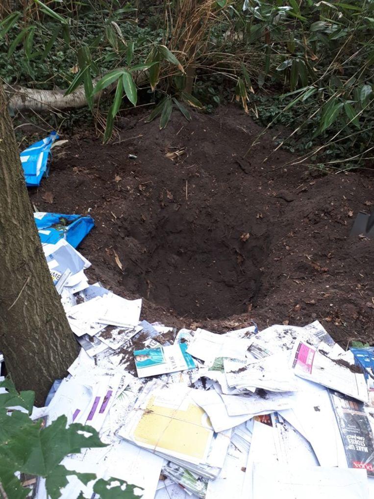 De post die gevonden werd in de bossen bij Laren. Beeld Politie Gooise Meren