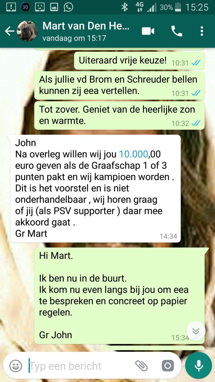 Een appje van Mart van den Heuvel, team-manager van PSV, aan John Troost.