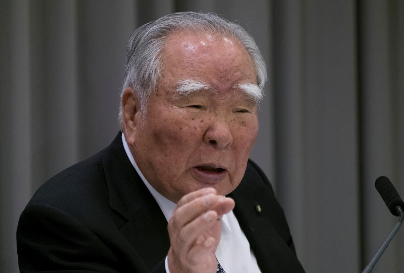 Osamu Suzuki tijdens de presentatie van de financiële resultaten van Suzuki in 2017.