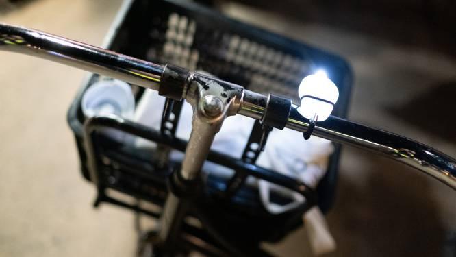 Politie betrapt 17 fietsers die niet in orde zijn met fietsverlichting