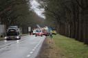 Hulpdiensten zijn massaal uitgerukt voor het ongeluk op de kruising van de N35 met de N348 in Raalte.