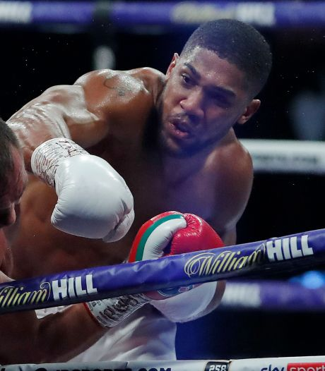 Joshua behoudt wereldtitels boksen na knock-out tegen Poelev