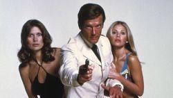 """Roger Moore overleden: """"Dankzij hem bleef James Bond bestaan"""""""