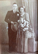 Wim en Clasien op hun trouwdag.  Zijn vrouw overleed in 2013.