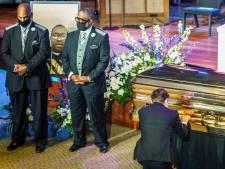 8 minutes 46 de silence en hommage à George Floyd, le maire de Minneapolis fond en larmes devant le cercueil