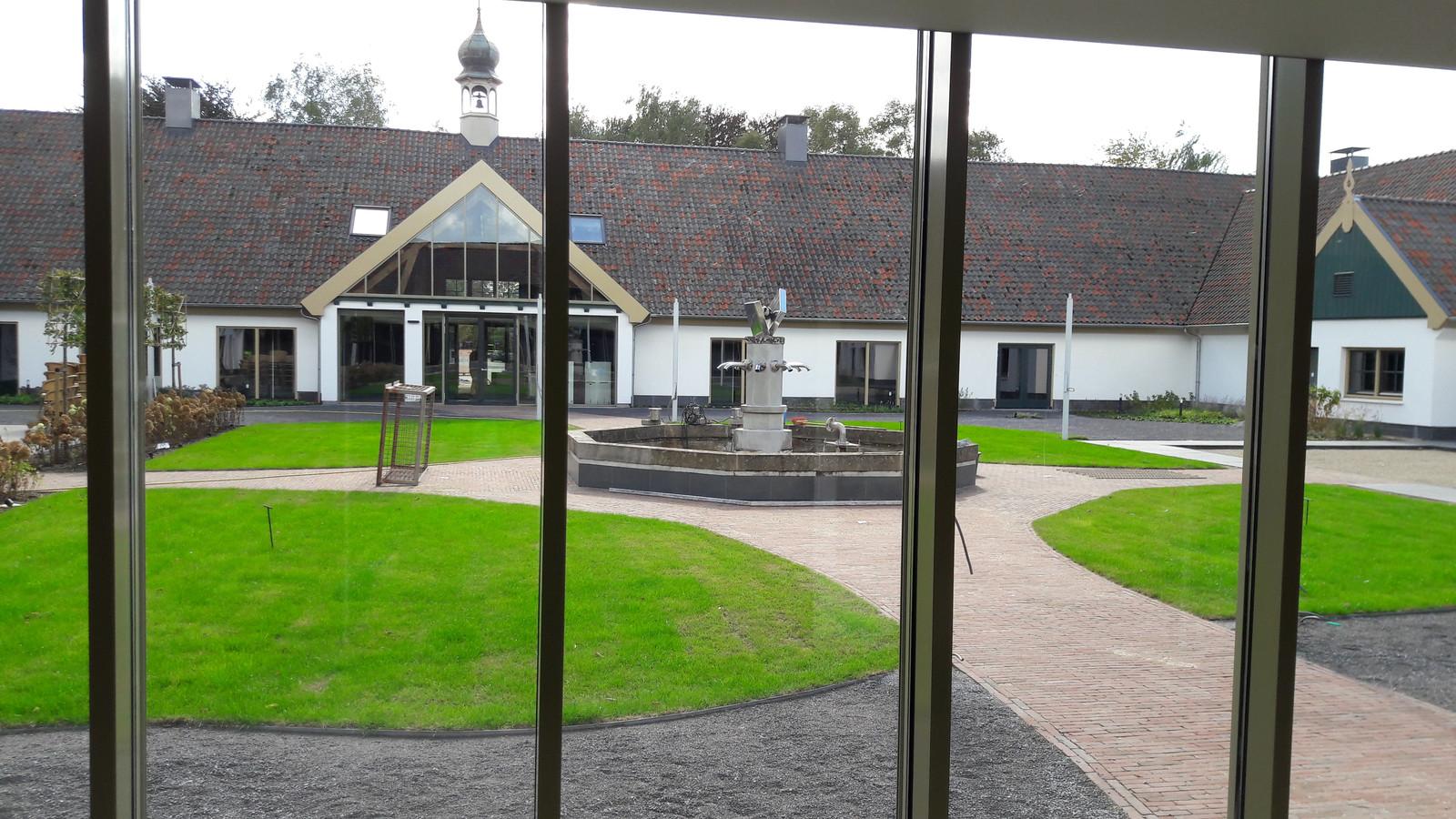 Een deel van de binnentuin van De Voorste Venne in Drunen.