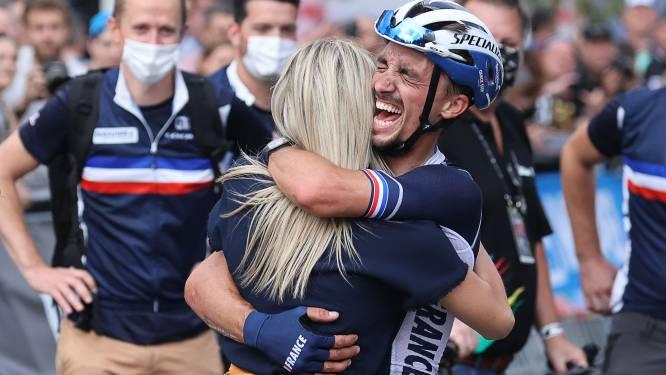 Alaphilippe volgt zichzelf op als wereldkampioen na zinderend WK, Stuyven valt nét naast podium