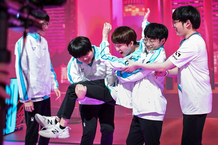 Het Koreaanse DAMWON Gaming schakelde het Europese G2 Esports in de halve finales uit, waarmee een Europese wereldkampioen dit jaar uitgesloten is.