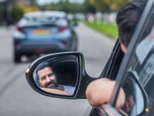 Anil scheurt non-stop door 17 landen in strijd tegen mensenhandel: 'Ik neem wel wat Red Bulls mee'