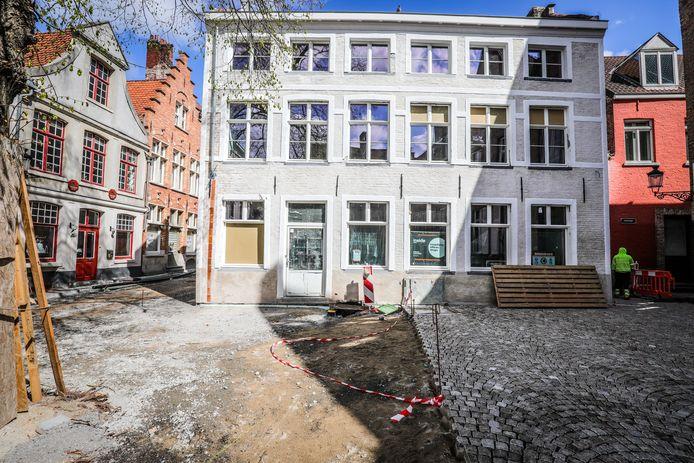 De Vuurmolen op het Kraanplein in Brugge krijgt een nieuwe naam.