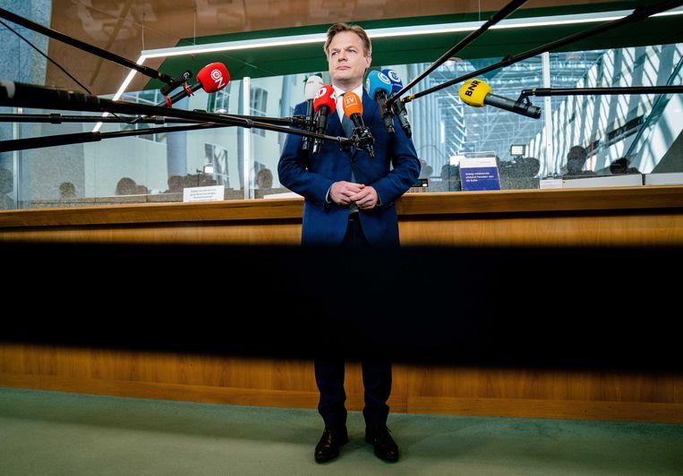 Tweede Kamerlid Pieter Omtzigt (CDA)staat de media te woord op de dag dat de nieuwe Tweede Kamer wordt geïnstalleerd. Beeld ANP