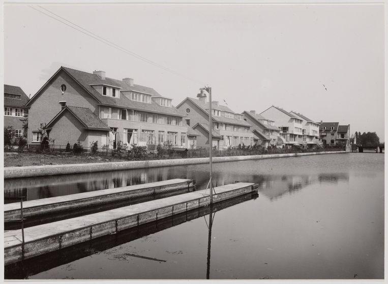 Ella en Audrey gingen op kamers in een groot huis aan de Herman Heijermansweg 27 (het hoekhuis links). Ze woonden in bij de zussen Ida en Constantia van de Vijsel. Beeld Stadsarchief