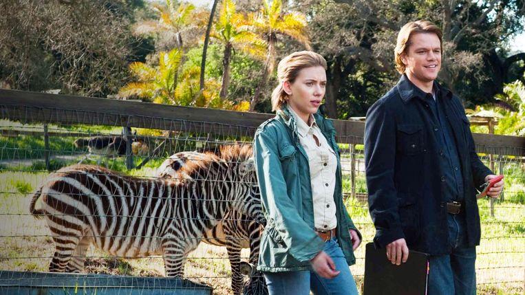 Scarlett Johansson en Matt Damon in We Bought a Zoo van Cameron Crowe Beeld